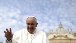Papa canoniza o Padre Anchieta, um dos principais responsáveis pela catequização dos índios no período da colonização do Brasil.