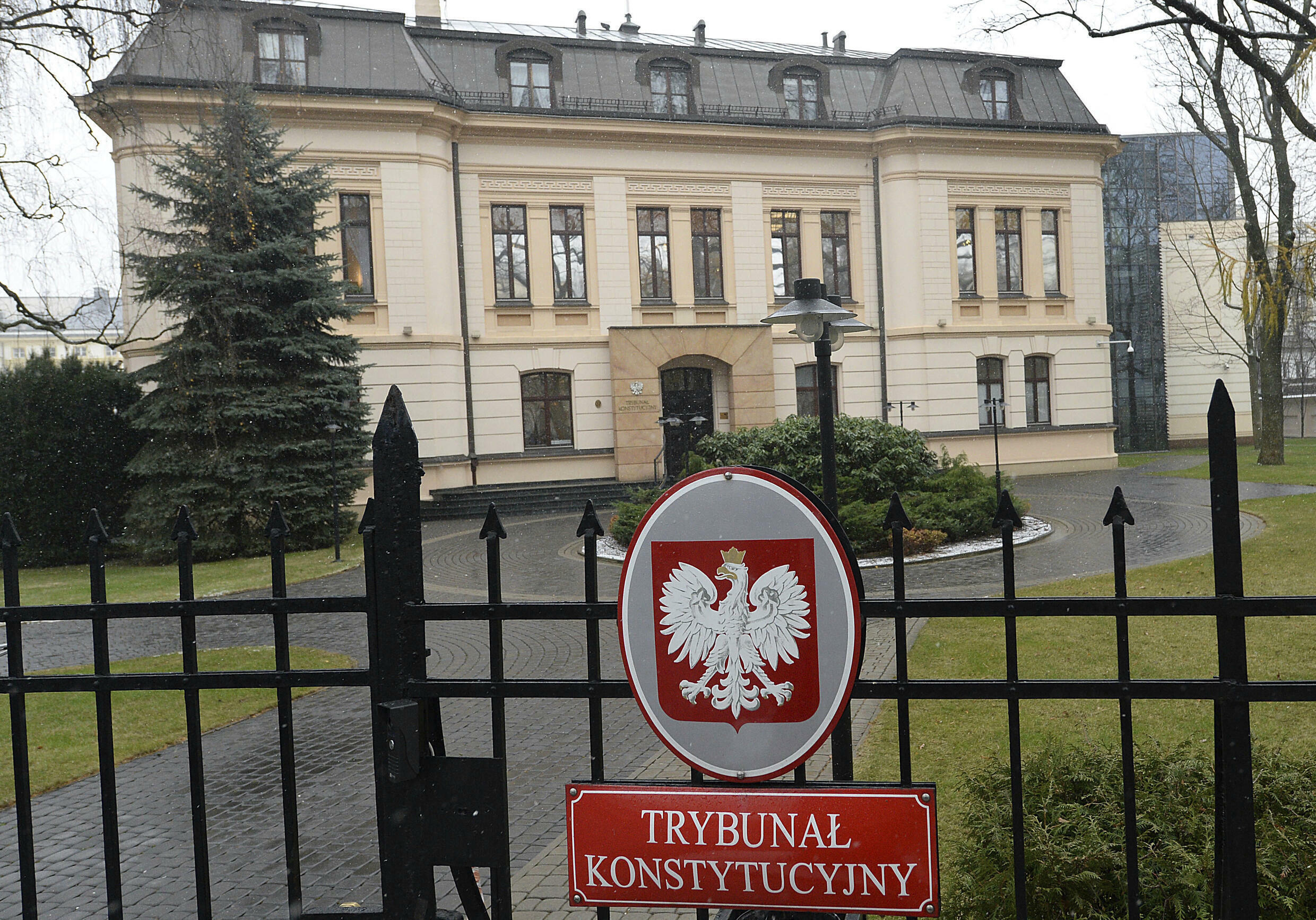 tribunal constitutionnel pologne