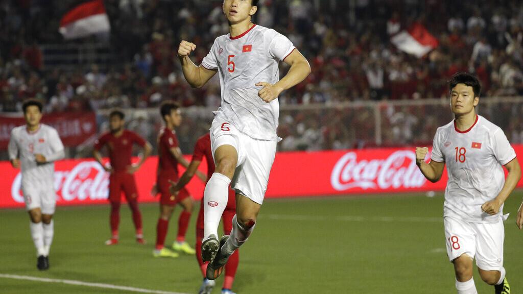 Cầu thủ bóng đá Việt Nam và cơ hội vươn ra sân chơi lớn
