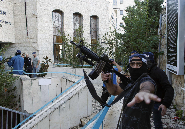 Ataque a sinagoga em Jerusalém deixou ao menos 4 mortos.