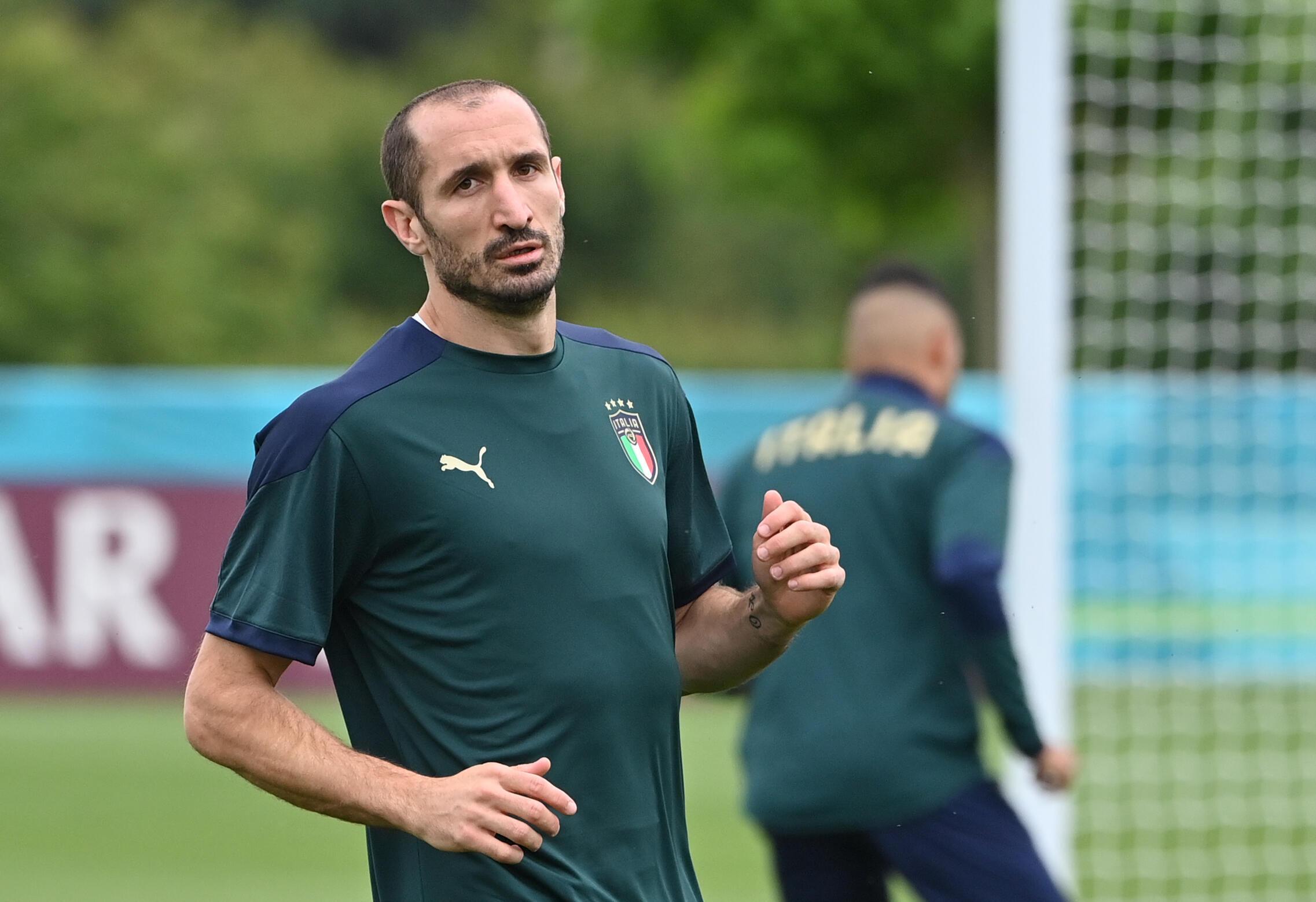 Giorgio Chiellini takes part in Italy's training session in London on Saturday
