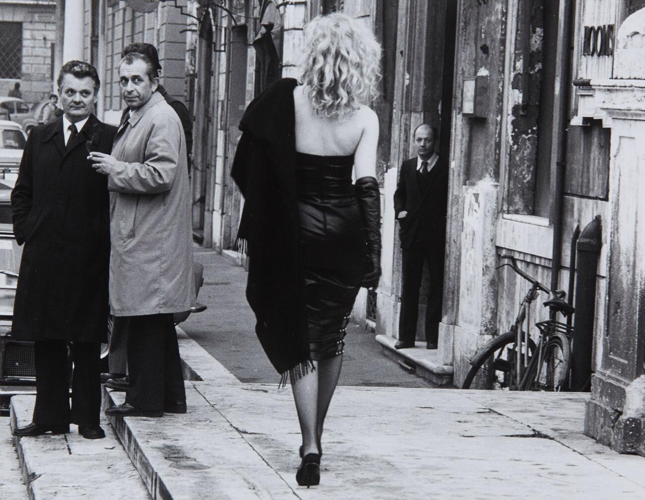 به گفتۀ ورونیک بلان شر وجود دختران جوان پاریسی طی سال های  ۱۹۶۰-١٩۵٠ مملو از شور زندگی برغم ناملایمات بود.