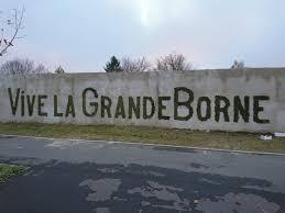 La Grande Borne alberga a casi 13 mil habitantes y es un barrio donde hay muchos episodios de violencia.