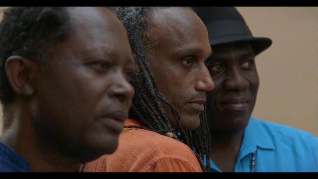 Lokua Kanza, Gérald Toto et Richard Bona. Photogramme du teaser album de No Format.