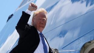 Donald Trump, deixando cimeira do G7 no Canadá rumo a Singapura para encontro com Kim Jong-un