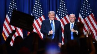 唐纳德-特朗普与迈克-彭斯2020年8月26日(资料图片)