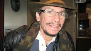 El artista venezolano Octavio Herrera en RFI.