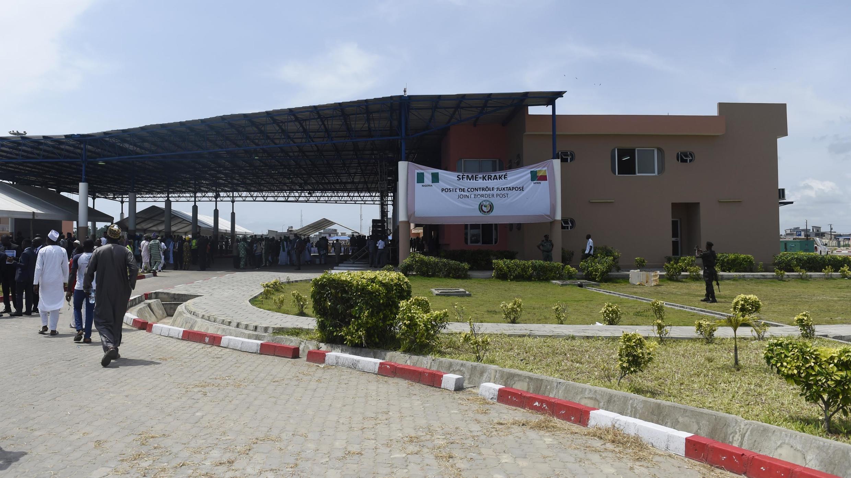 Le poste de Sèmè-Kraké à la frontière entre le Bénin et le Nigeria.
