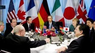 Главы государств во время саммита в Гааге, 24 марта 2014