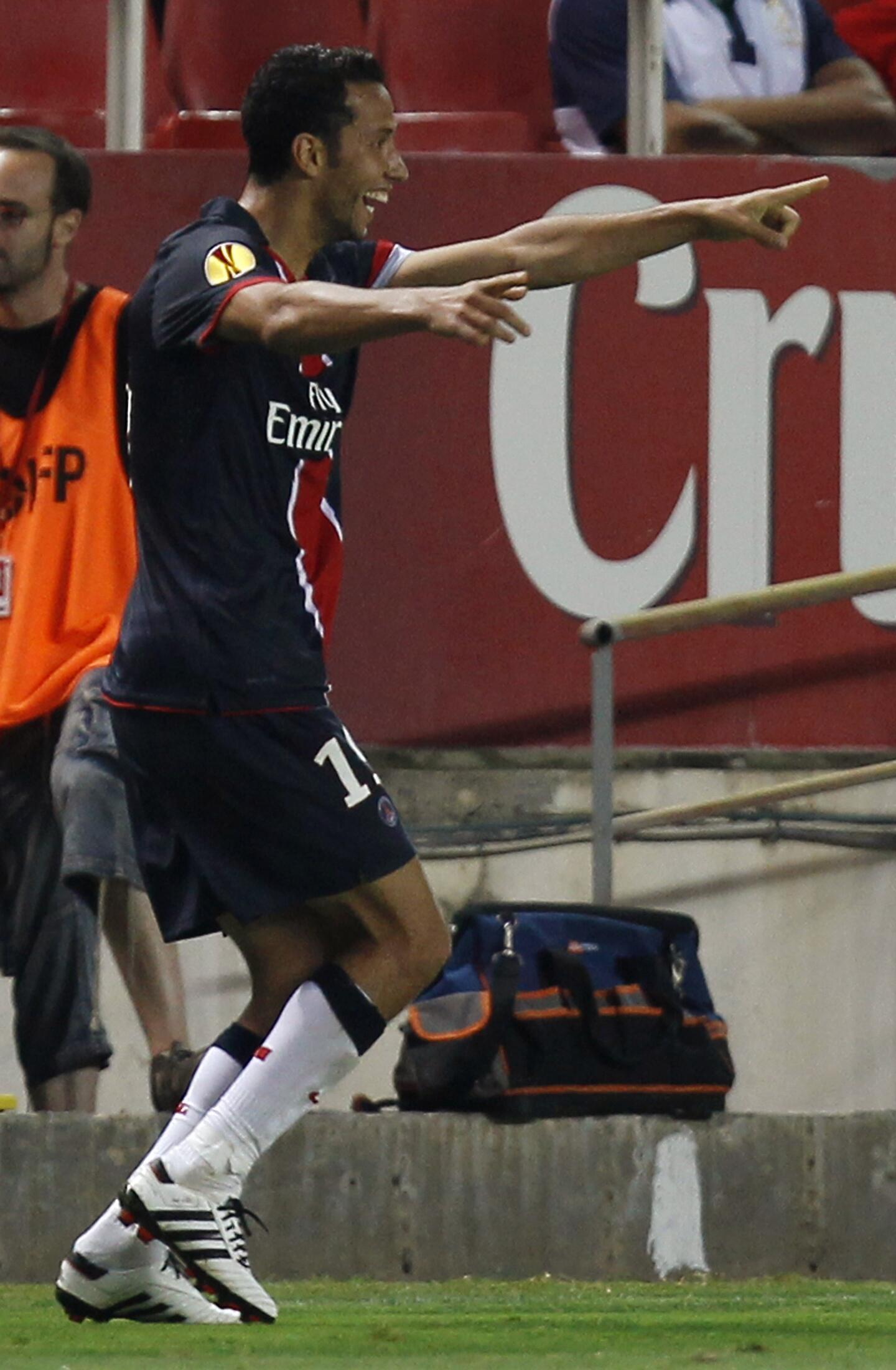 Buteur à Séville, le Brésilien Nenê est l'homme du début de saison au PSG.