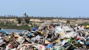 Sénégal - Mbeubeuss - Décharge - Malika - _DSC0544