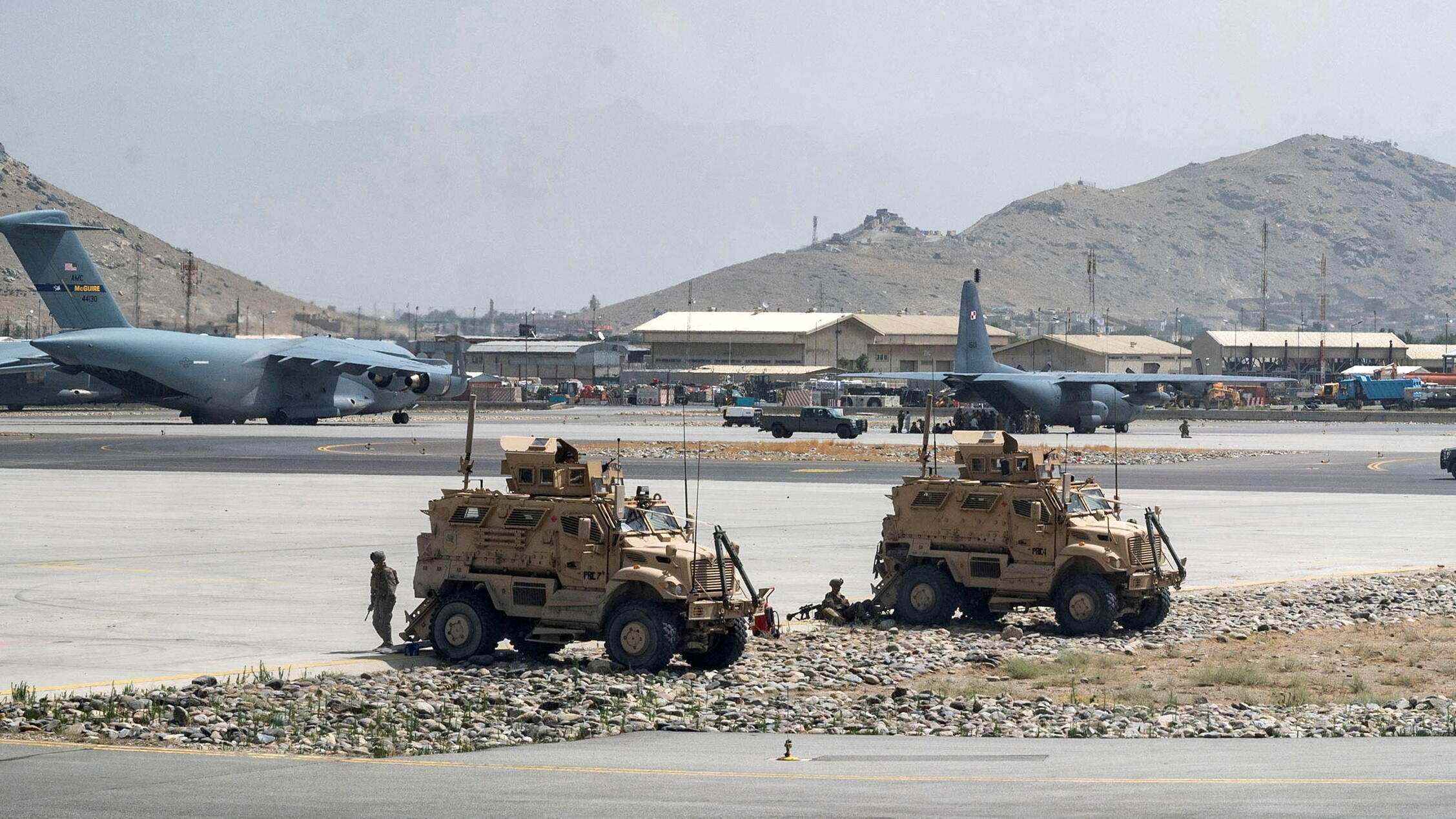 2021-08-19T235622Z_1427343970_RC2N8P920WO4_RTRMADP_3_AFGHANISTAN-CONFLICT-USA-CHINA