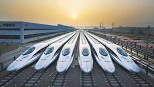 图为中国官方关于普及高铁的报导图片
