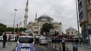 Explosão em Istambul. Ataque a viatura da polícia faz 11 mortos