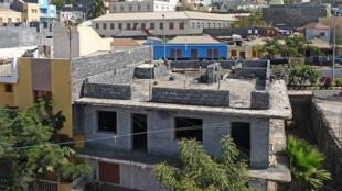 Maison en construction à São Filipe (île de Fogo, Cap-Vert).