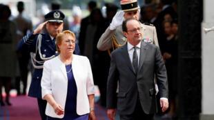 François Hollande recibió honores militares durante su visita a Santiago de Chile.