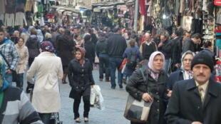 Les autorités turques ont réintégré par décret-loi plus de 1.800 fonctionnaires qui avaient été limogés dans le cadre des purges.