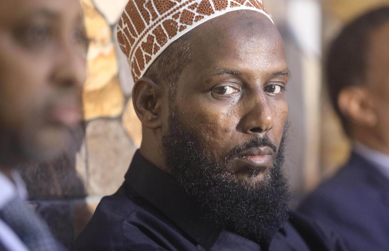 Le gouvernement de Mogadiscio a interdit à Mukhtar Robow, l'un des fondateurs des shebabs, à se présenter à l'élection présidentielle de l'Etat du sud-ouest. Cela a provoqué la démission de la commission régionale.