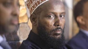 Serikali ya Mogadishu imemzuia Mukhtar Robow, mmoja wa waanzilishi wa Al Shabab, kuwania uongozi  katika Jimbo la Kusini Magharibi mwa Somalia. Hali hii ilisababisha tume ya uchaguzi katika eneo hiulo kujiuzulu.