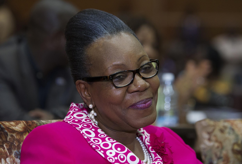 現任班吉女市長凱瑟琳•桑巴潘沙(Catherine Samba-Panza)當選中非過渡總統。