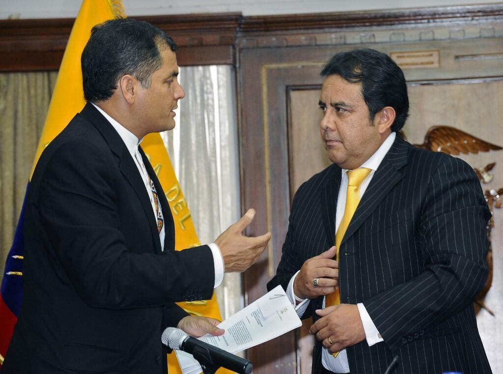 Le ministre de l'Intérieur équatorien, Patricio Pazmiño ( à dr.) ici avec l'ancien président Rafael Correa, a démissionné de son poste à la suite de mutineries.