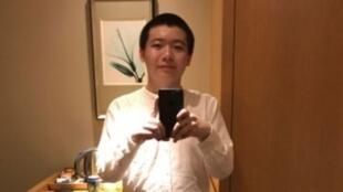 牛腾宇是一个不关心政治的电脑天才,但被指触犯了中国第一家庭。