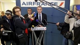 Air France Chief Executive Frédéric Gagey speaks during a news conference in Paris, 20 December 2015