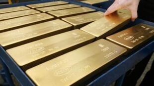 Le cours de l'or a atteint jeudi 11 août 2011 les 1 800 dollars