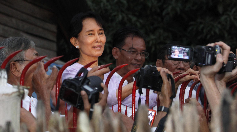 緬甸民主運動領袖昂山素姬在經歷七年被軟禁之後終於恢復自由。