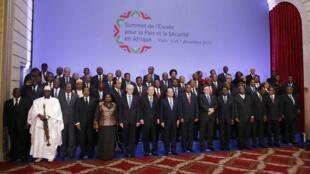 اجلاس الیزه برای صلح و امنیت در آفریقا با شرکت شماری از رهبران کشورهای آفریقایی در پاریس - ٦ دسامبر  ٢٠١٣