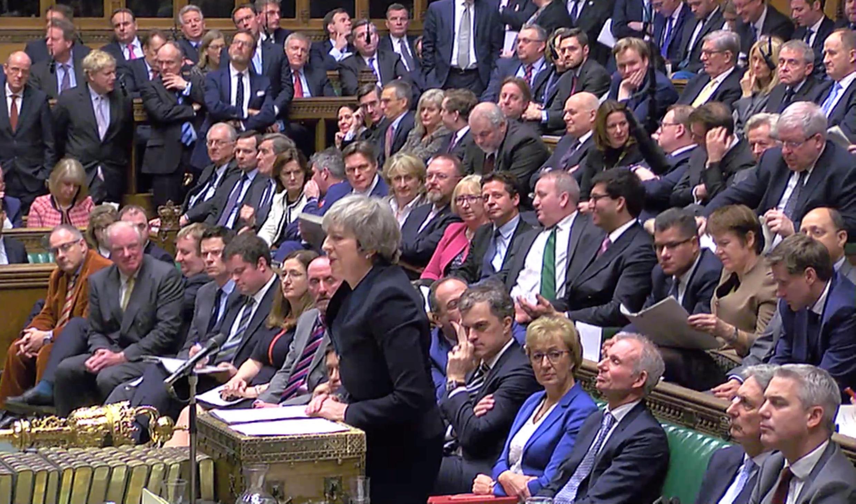Fira Ministar Birtaniya Theresa May, a zauren majalisar dokokin kasar.