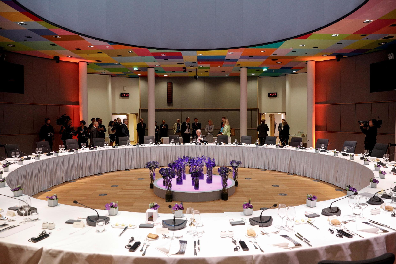 Reunião do Conselho Europeu foi suspensa