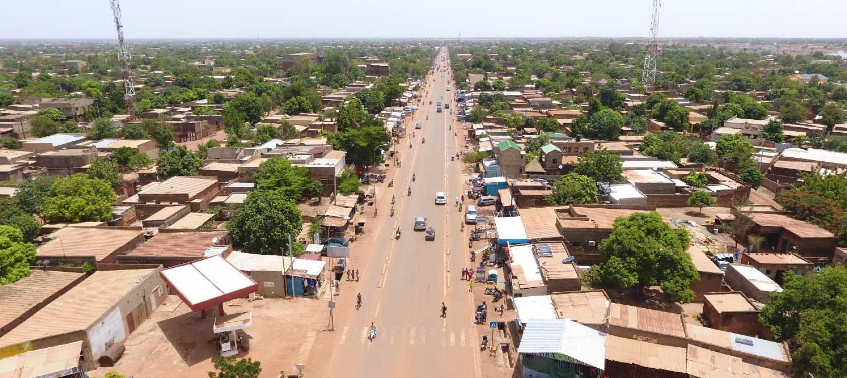 ville-route-renovee-amenagement-urbain-ouagadougou-burkina-faso-guebo