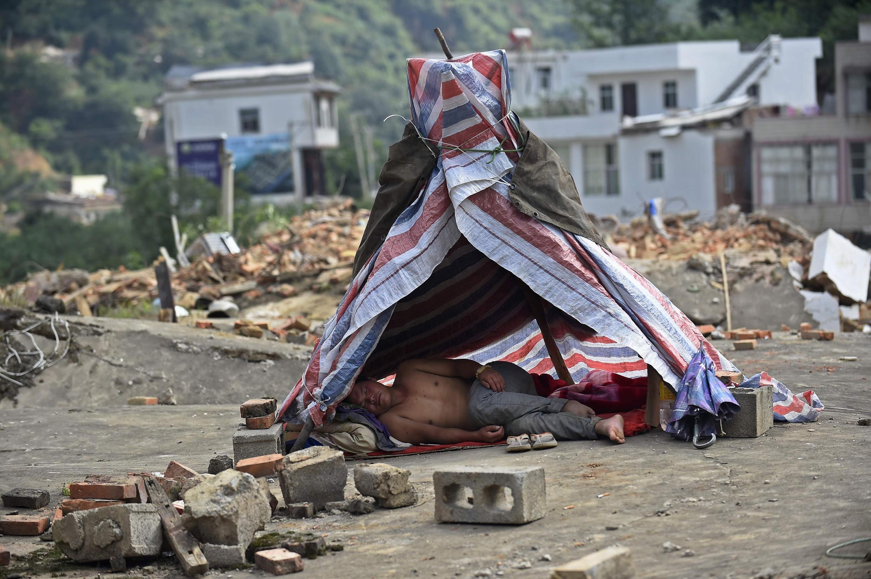 Một cảnh tại nơi động đất ở Long Đầu Sơn. Ảnh chụp ngày 06/08/2014.