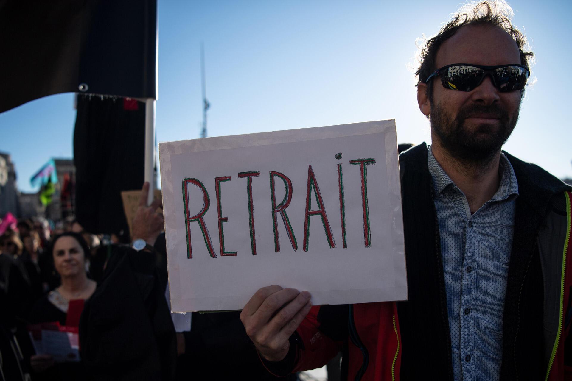 Manifestation sur le Vieux-Port de Marseille contre la réforme des retraites, le 11 janvier 2020.