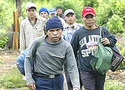 Người Thượng ở Việt Nam, do bị đàn áp, thường vượt biên sang Cam Bốt - DR