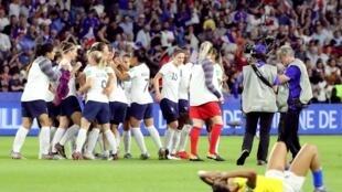França avança para as quartas de final com gol na segunda etapa da prorrogação.