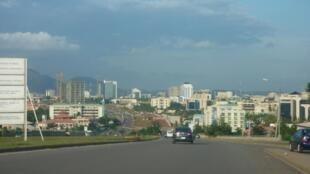 Vue d'Abuja, capitale fédérale du Nigeria.