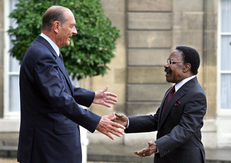 Rencontre entre le président français Jacques Chirac et son homologue gabonais Omar Bongo, le 29 août 2006 à l'Élysée.