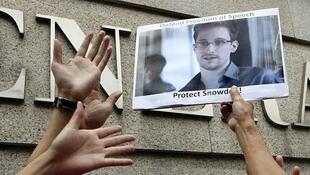 Manifestation en soutien à Edward Snowden, devant le consulat américain à Hong Kong, le13 juin 2013.