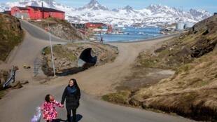 Une vue de la ville de Tasiilaq au Groenland le 15 juin 2018.