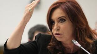 Dans un discours adressé à la nation, la présidente Cristina Kirchner a demandé à Dieu d'éclairer les juges américains.