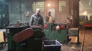 Кадр из фильма «Завод»