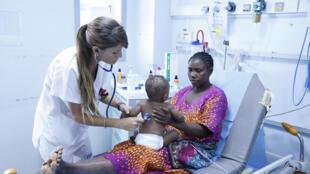 Trop peu de médecins pour faire face à la charge de travail. Du coup, l'hôpital est vite saturé.