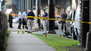 A polícia americana isola o local do crime