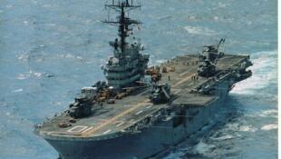L'USS Tripoli, un des porte-avions des Etats-Unis.