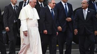 古巴總統勞爾 卡斯特羅前往機場迎接教皇方濟各來訪, 2015年9月19日