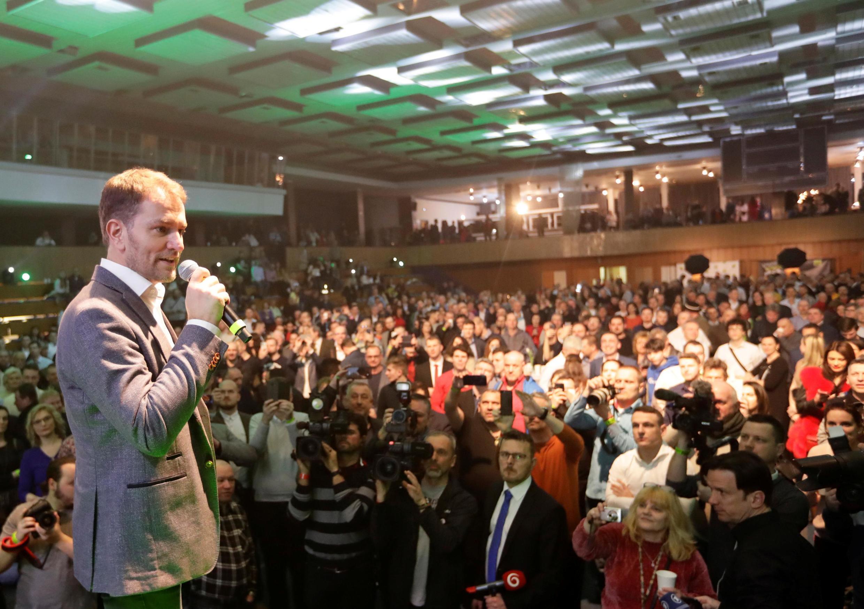 Thủ lĩnh đảng chống tham nhũng OLaNO, Igor Matovic, phát biểu trước người ủng hộ tại Trnava, Slovakia, ngày 29/02/2020.