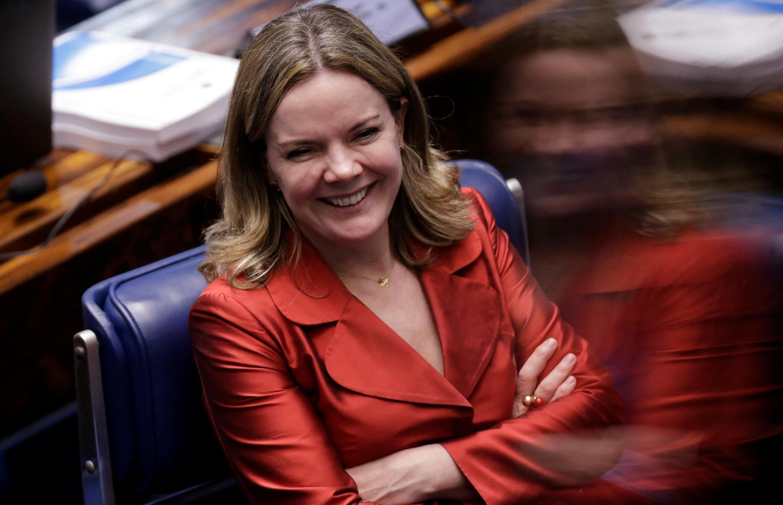 La sénatrice du PT Gleisi Hoffmann a apporté son soutien à la présidente Dilma Roussef.