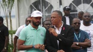 Noureddin Bongo Valentin (à gauche avec la casquette) est le coordinateur général des affaires présidentielles gabonaises.